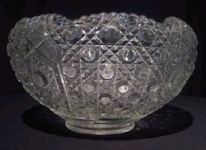 Where to find PUNCH BOWL GLASS 11qt w TR LAD in Huntington